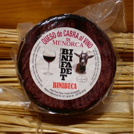 Queso de cabra al vino Binibeca.